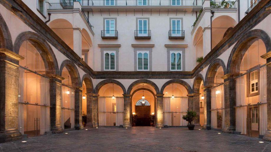 Palazzo Caracciolo Napoli-Milan