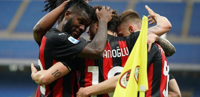 Photo LaPresse - Spada April 21 , 2021 Milan  Italy  Soccer A.C. Milan- Season 2020-2021 - Serie A Milan vs Sassuolo In the pic: celebrates after scoring Hakan Calhanoglu goal 1-0 , Franck Kessie PUBLICATIONxNOTxINxITAxFRAxCHN Copyright: xSpada/LaPressex