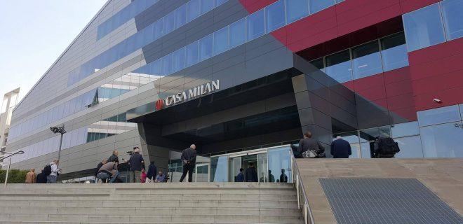 Casa Milan Higuain-Caldara