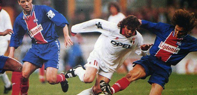 Champions_League_1994-95_-_Milan_vs_PSG_-_Le_Guen,_Simone,_Bravo